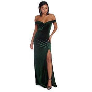 Off Shoulder Velvet Emerald Green Prom Dress